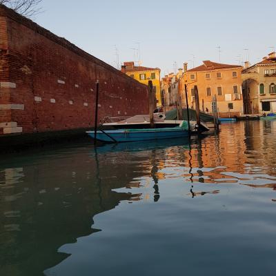 glatte Wasserfläche des Rio della Misericordia