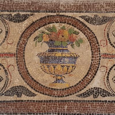 farbiges Bodenmosaik aus der Spätantike