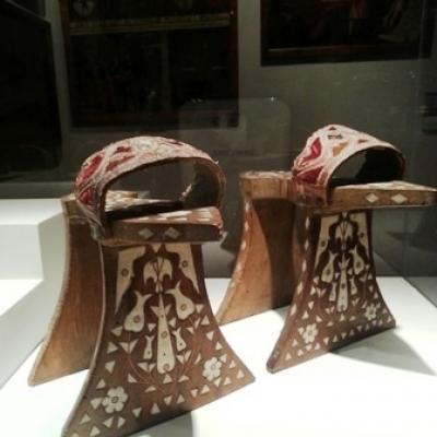 Schuhmode der Damen im 16. Jahrhundert im Museo Correr