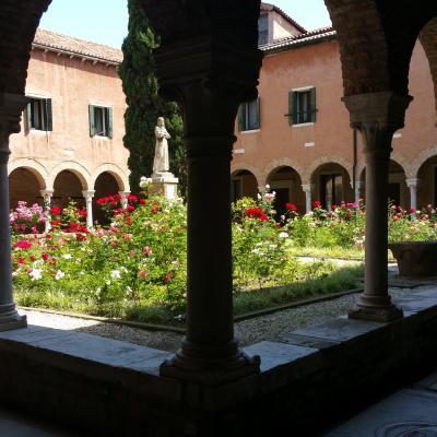 Kreuzgang im Kloster der Franziskaner San Francesco della Vigna