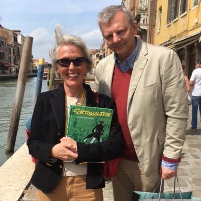 Stadtführerin mit Corto Malatese und ...