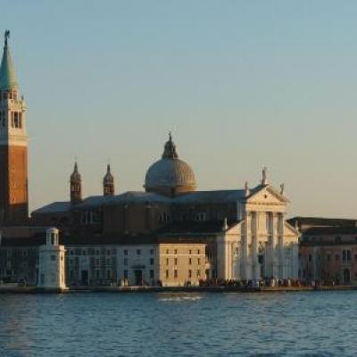 Kirche und z.T. Kloster San Giorgio Maggiore wurden nach Entwürfen von Andrea Palladio errichtet