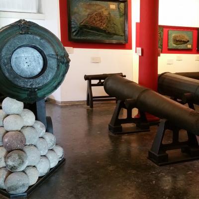 Kanonen und Kanonkugeln