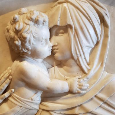 J. Sasovino, affettuoso abbracio della Madonna con il bambino