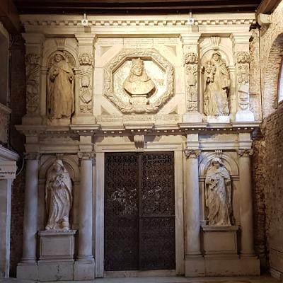 im Krankenhaus von Venedig, dem alten Dominikanerkloster