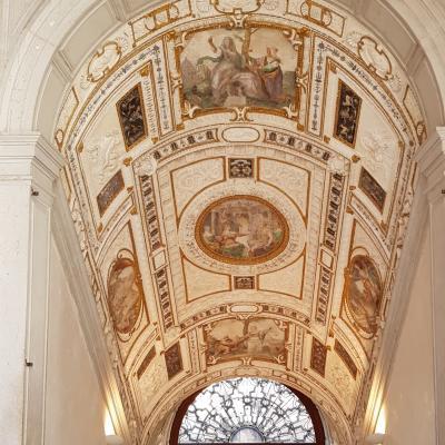monumentaler Treppenaufgang im Palast der Grimani