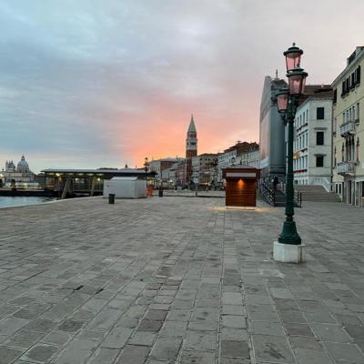 Uferstraße Riva degli Schiavon mit Blick auf die Markuskirche
