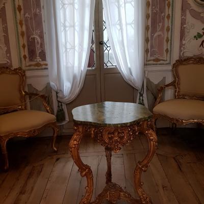 Boudoir der Hausherrin mit Rokoko Möbel
