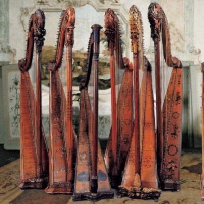 Harfen im Museum des Palazzo Pisani, Musikkonservatorium