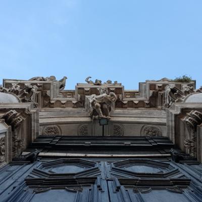 Blick auf das Hauptportal der Kirche San Stae